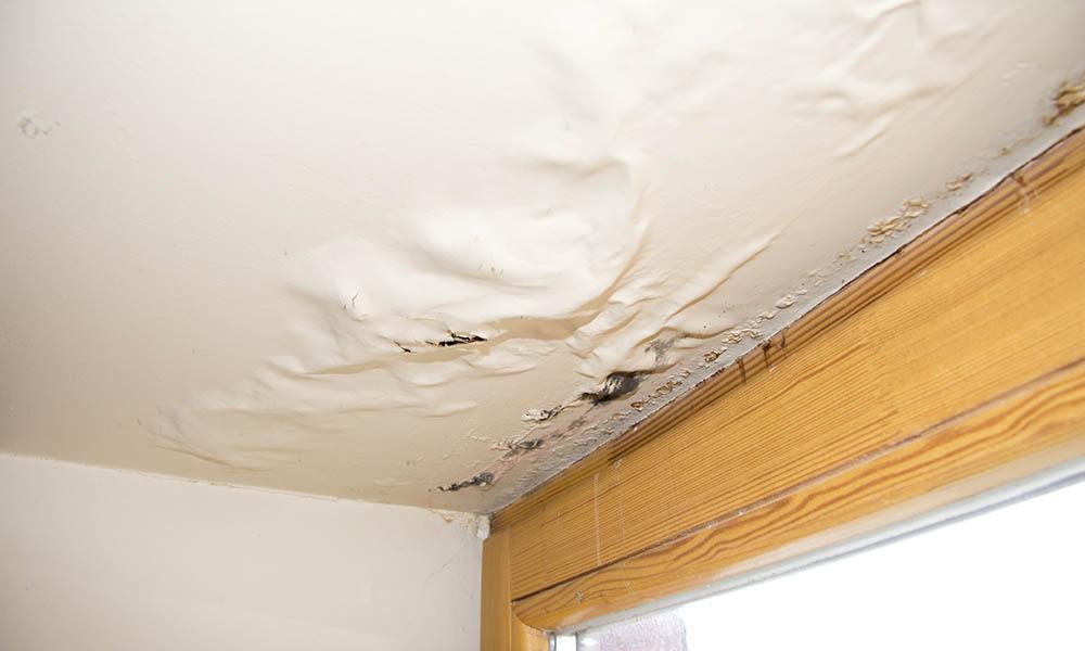 water-leaks-ceiling